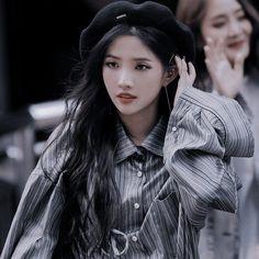 ₊˚ ༘ 𝑫𝑬𝑺𝑪 soyeon aesthetic icon ; soyeon (g)i-dle aesthetic ; (g)i-dle aesthetic ; Kpop Aesthetic, Aesthetic Girl, Kpop Girl Groups, Kpop Girls, Korean Girl, Asian Girl, Cute Asian Babies, I Icon, Soyeon