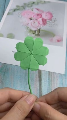 Paper Flowers Craft, Paper Crafts Origami, Paper Crafts For Kids, Flower Crafts, Diy Flowers, Diy Paper, Paper Art, Flower Diy, Origami Flowers