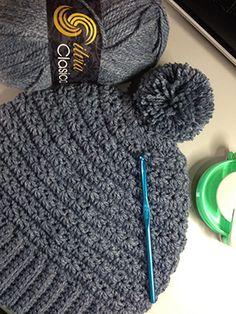 Gorro en punto estrella y pompón Crochet Stitches, Crochet Patterns, Crochet Hats, Owl Hat, Bandanas, Projects, Cap, Fashion, Mittens