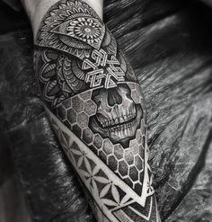 "1,834 Likes, 47 Comments - P A U L  D A V I E S (@paulokink) on Instagram: ""Part of a lower leg piece I started on Richard today #kingsbridge #mandala #tattooartistmagazine…"""