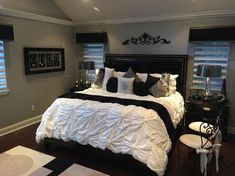Gorgeous Glam black and White deluxe Master Suite decor with restoration hardware soho bed, modern design tufted sleep, modern glamour Bed Room decor B&W room Room Ideas Bedroom, Bedroom Sets, Home Decor Bedroom, Girls Bedroom, Black Bedroom Decor, Bed Room, Bedroom Designs, Bedroom 2018, Bedroom Retreat