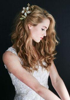 アップスタイルからダウンスタイルまで♡花嫁を美しくするブライダルヘアの種類ざっくりまとめ*にて紹介している画像