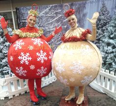 Family Christmas Party Entertainment   http://www.calmerkarma.org.uk/CHRISTMAS-ENTERTAINMENT-FAMILY-EVENTS.html Perfect for shopping centres and open air Christmas celebrations. Hire across the UK inc MANCHESTER, LONDON, BIRMINGHAM, CARDIFF, BRIGHTON