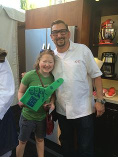 Mad props to Chef Chris Cosentino for showing some #organdonation love and support at the recent #feastpdx! You rock, Chef Chris! #pdxevents #donatelife #makeadifference #pdx #showusyourfinger