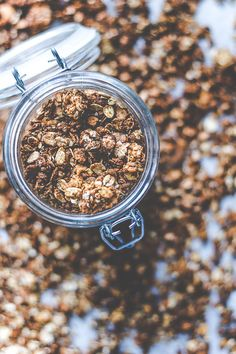 Peanut Butter Granola Recipe Peanut Butter Bombs, Peanut Butter Granola, Healthy Sweets, Healthy Baking, Chocolate Granola, Joy Of Cooking, Breakfast Smoothies, Sweet And Salty, Food Cravings