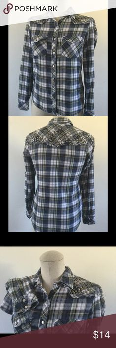 """GUESS Women's Western Studded Plaid Shirt Sz XS GUESS Women's Western Studded Shirt Plaid, Button Down with Pearl Snap Buttons,  Long Sleeve with 2 pearl snap buttons, 2 front pockets with peal snap buttons, Decorative studs on shoulders and back yolk, Round hem. Size X-Small,  Approx. Mesurements:  Chest - 36"""" Sleeves 23"""" Shoulder to Shouler -14-1/4""""  Length - 26"""" Guess Tops Blouses"""