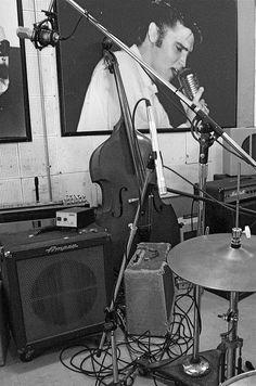 Any trip to Memphis should include a trip to Sun Records--recording studio of Elvis and many other rock 'n roll legends. This image is from my archives,. I converted it to b, cropped it just a little bit and submitted to 7DOS for Monochromatic Mond Visit http://www.createnewmusic.com/ Create Your Own Sick Beats With A Complete Online Recording Studio! Good Enough For Pro's and Simple Enough For Bigginners.