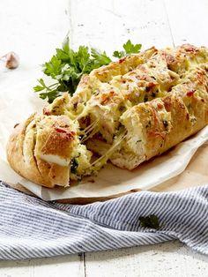 Mediterranean 4 Cheese Pull-Apart Loaf Recipe | myfoodbook