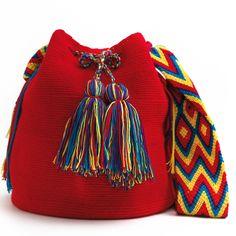 Wayuu Boho Bags with Crochet Patterns Diy Crochet Bag, Crochet Crafts, Knit Crochet, Tapestry Bag, Tapestry Crochet, Crochet Handbags, Crochet Purses, Mochila Crochet, Yarn Bag