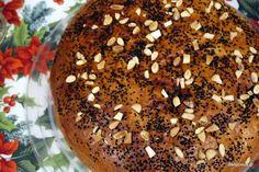 Πολίτικη βασιλόπιτα τσουρέκι (Παραδοσιακή με μαχλέπι) Bagel, Christmas Time, Muffin, Bread, Breakfast, Desserts, Recipes, Food, Morning Coffee