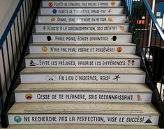 Great Advice For The College Years And Beyond. College is one of the most exciting times in one's life. Message Positif, College Years, Co Working, Classroom Design, Learn French, Happy Smile, Positive Attitude, Motivation, Street Art