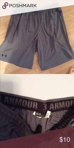 Men's Under Armour Shorts Under Armour shorts, maybe worn 5 times, in GREAT condition. Made of light fabric, very breathable. Elastic waistline. Under Armour Shorts Athletic