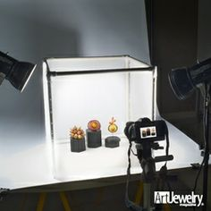 Take better photos of your jewelry! Art Jewelry magazine Associate Editor, Annie Pennington, shares her tips and tricks for taking great photos. Jewelry Photography, Photography Tutorials, Photography Tips, Product Photography, Photography Business, Photo Jewelry, Jewelry Art, Jewelry Tools, Jewellery