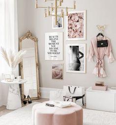 5 astuces pour décorer ses murs avec des affiches et des posters Room Ideas Bedroom, Room Decor Bedroom, Living Room Decor, Bedroom Shelves, Bedroom Signs, Master Bedroom, Glam Room, Aesthetic Room Decor, My New Room