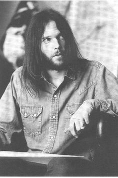 foreverneilyoung:Neil Young photographed by Henry Diltz in 1972