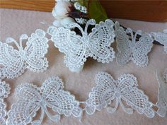 Diy Crafts - Exquisite Butterfly Lace Applique Trim In White For DIY Home Party Decoration, Costume Design, Sewin Crochet Butterfly Free Pattern, Crochet Flower Patterns, Flower Applique, Crochet Flowers, Pineapple Crochet, Irish Lace, Schmuck Design, Irish Crochet, Costume Design