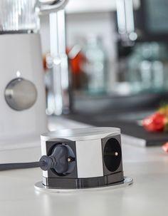 Des prises électriques bien placées - 12 idées de pro pour bien concevoir sa cuisine - Elle Décoration