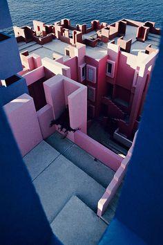 Muralla_Roja_Calpe_Spain_Ricardo_Bofill_Taller_Arquitectur… | Flickr