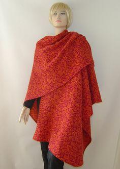 Capes & Ponchos - Jacquard - Cape Poncho Merino Ranke fuchsia-orange - ein Designerstück von hofatelier-mode bei DaWanda