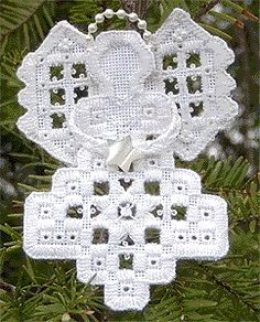 Hardanger Embroidery Patterns Hardanger Angel Ornament from Kreinik Types Of Embroidery, Learn Embroidery, Embroidery Art, Cross Stitch Embroidery, Embroidery Patterns, Cross Stitch Patterns, Beginner Embroidery, Bookmark Craft, Drawn Thread