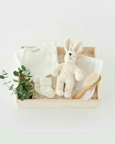 Unique Baby Gifts, Cute Gifts, Diy Gifts, Baby Gift Box, Baby Box, Gift Hampers, Gift Baskets, Kit Bebe, Gift Wraping