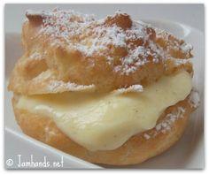 Dessert Recipes / Jam Hands: Cream Puffs with Vanilla Bean Pastry Cream Sweet Desserts, Just Desserts, Sweet Recipes, Delicious Desserts, Dessert Recipes, Yummy Food, Cupcakes, Cupcake Cakes, Yummy Treats