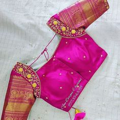 Wedding Saree Blouse Designs, Pattu Saree Blouse Designs, Blouse Designs Silk, Golden Blouse Designs, Pattu Sarees Wedding, Hand Work Blouse Design, Simple Blouse Designs, Stylish Blouse Design, Diana