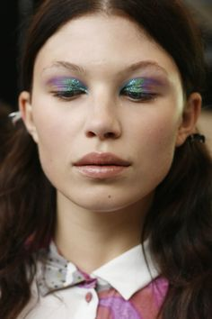 Glittery eyes backstage at Michael Van der Ham (by Emma Hoareau)… Makeup Inspo, Makeup Art, Makeup Inspiration, Eye Makeup, Hair Makeup, Glossy Makeup, Makeup Geek, Makeup Ideas, Nude Make Up