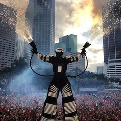 Ultra Music Festival in Miami #cjbapparel #festivalfriday
