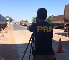 Dicas vs multas: PRF utiliza radar em pedágio e flagra 115 veículos em excesso de velocidade 745-50 +http://brml.co/1j3jKQr