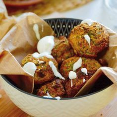 Falafels maison :) one shot ! Premier essai et un délice avec la sauce yaourt ! La recette en bio :) succombez au saveur du Moyen Orient... #moyenorient #falafel #cuisine #madhelenecuisine #vegetarian #vegetarien #liban