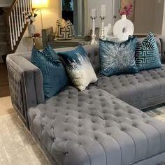 Classy Living Room, Blue Living Room Decor, Living Room Sofa Design, Home Room Design, Home Decor Bedroom, Living Room Designs, Blue Living Room Furniture, Living Room Sets, Capitone Sofa
