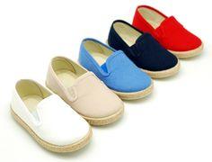 Tienda online de calzado infantil Okaaspain. Zapatilla tipo alpargata de lona con velcro. Calidad al mejor precio hecho en España.