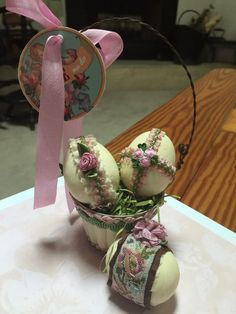 Vintage style Easter basket and eggs