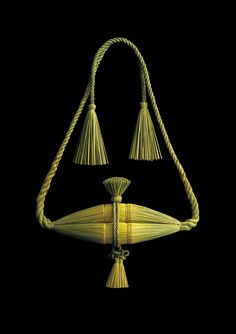 締め飾り Decoration of straw rope Straw Decorations, New Years Decorations, Japanese Culture, Japanese Art, New Year Art, Japanese New Year, Japan Image, Weird Fashion, Nihon