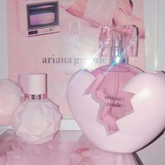 Introducing Thank U Next Eau de Parfum by Ariana Grande. The ultimate fragrance for moving on and looking up. Baby Pink Aesthetic, Boujee Aesthetic, Sugar Scrub Diy, Diy Scrub, Ari Perfume, Pink Perfume, Ariana Grande Perfume, Wine Gift Baskets, Basket Gift