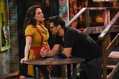 Johnny (Nick Zano), a sarcastic street artist who likes to flirt with Max (Kat Dennings), gets a nice glimpse ~ 2 Broke Girls Episode Stills ~ Season Episode And the Rich People Problems Kat Dennings, Max Black, 2 Broke Girls Episodes, Rich People Problems, Nick Zano, Two Broke Girl, Girls Season, Season 1, Charlie Sheen