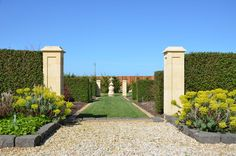 Beautifully done landscape with moulded stone columns throughout