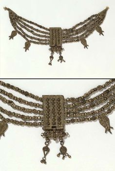 Yemen | Necklace ~ lazem ~ silver  | ca. 2nd half of the 19th century // © Victoria and Albert Museum, London. M.302-1910