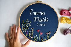 Custom Name Embroidery Hoop Baby Name par BreezebotPunch sur Etsy