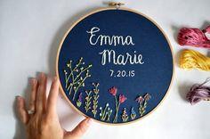 Regalos de bebé nombre personalizado bordado aro - nombre bordado - arte de la pared de cuarto de niños - bordado aro el arte-