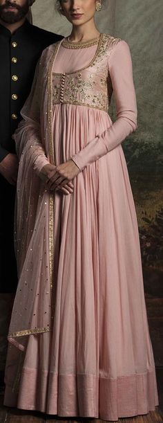 Sabyasachi bridal collection 2016 Source by Indian Gowns, Indian Attire, Indian Ethnic Wear, Pakistani Dresses, Indian Outfits, Indian Anarkali, Punjabi Dress, Pakistani Suits, Punjabi Suits