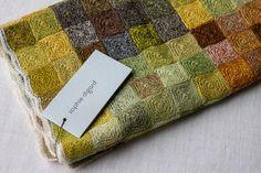 Crochet Scarves, Crochet Yarn, Hand Crochet, Crochet Stitches, Crochet Patterns, French General, Scarf Ideas, Granny Square Crochet Pattern, Color Crafts