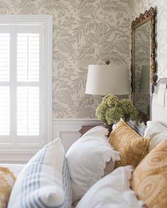 43 Ideas room wallpaper bedroom dressers for 2019 Country Cottage Bedroom, Country Cottages, Cottage Bedrooms, Country Bedrooms, French Cottage, French Country, Plan Chalet, Beach Bedding Sets, Bedroom Dressers