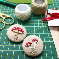 CREAMENTE - ❤️ #new #buttons #embroidery #handmade #handembroidery #bordado…