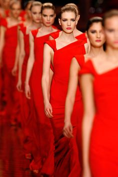 red I See Red, Go Red, Valentino Couture, Bright Pictures, Little Red Dress, Royal Red, Black White Red, Red Fashion, Womens Fashion