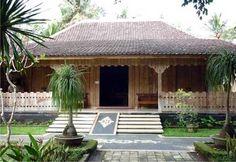 45 Desain Rumah Joglo Khas Jawa Tengah | Desainrumahnya.com House By The Sea, My House, Philippines House Design, Philippine Houses, Wooden Hut, Bali House, Gazebo Pergola, Bamboo House, Traditional House