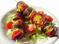 Színkavalkád, remek ízek, sok zöldség, egészséges alapanyagok. Ez jellemzi leginkább ezt a fogást. Mióta beköszöntött a rekkenő h... Beef Recipes, Sushi, Sausage, Paleo, Pork, Meat, Chicken, Ethnic Recipes, Meat Recipes