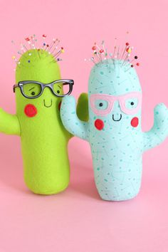 Totally cactus: Cactus pin cushion, cactus sewing PDF, easy cactus sewing pattern, cactus plush, cactus softie, cactus toy  This little cactus friend can be made as a toy to snuggle or as a pincushion. With stuffing pellets in the base, he will stand at attention in your sewing room, holding all your pins for you. He can be made in felt, fleece or cotton fabric - whichever you prefer. he is the perfect gift for the crafter in your life !  The plastic glasses in the photo were purchased to…