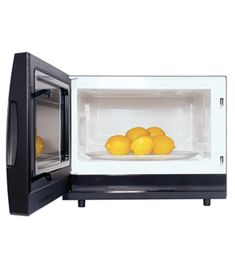 How to get more juice from your lemons. Microwave as Lemon Juicer; Squeeze juice from lemons with less effort by first warming them for 20 seconds in the microwave. New Uses, Food Facts, Real Simple, Baking Tips, Baking Hacks, Home Hacks, Kitchen Hacks, Kitchen Ideas, Good To Know